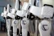 «Des enquêtes plus ou moins alarmistes annoncent que robots et algorithmes remplaceront les humains dans un nombre croissant de métiers.»