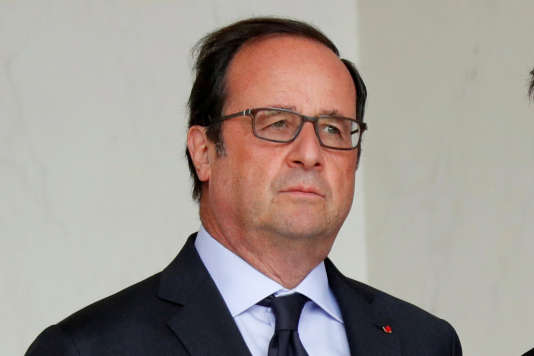 Francois Hollande au palais de l'Elysee le 11 août 2016.