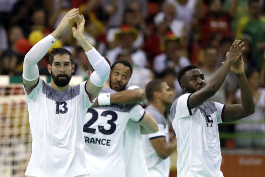 Le handballeurs français à l'issue de la demi-finale contre l'Allemagne, le 19 août, à Rio.