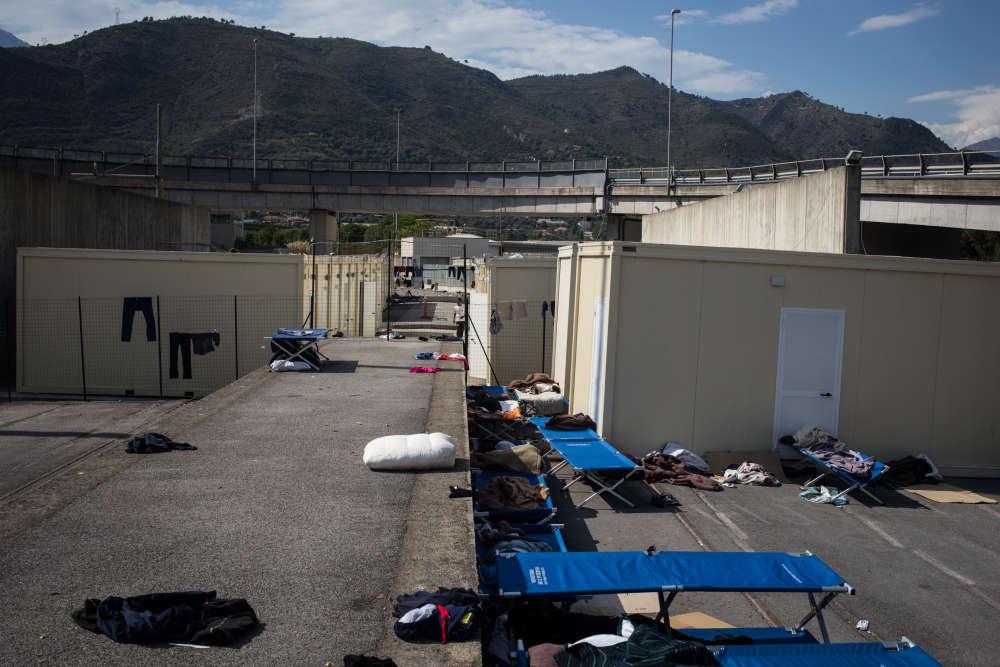 Vintimille a ouvert un camp «officiel» le 17 juillet. Un mois après son ouverture, il est déjà saturé.