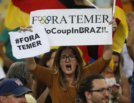 « Fora Temer», l'un des slogans du public brésilien.