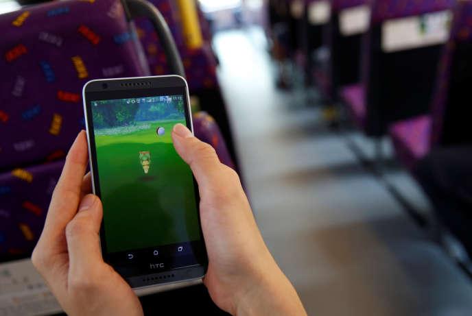 Un jeu de réalité augmentée sur mobile.