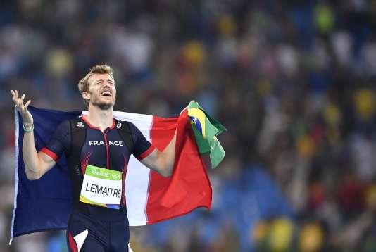 La joie de Christophe Lemaitre après sa troisième place en finale des 200 mètres hommes. AFP / Fabrice COFFRINI