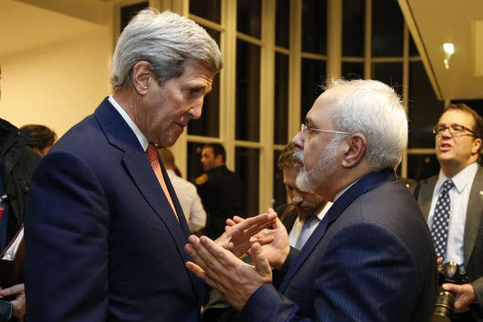 Le chef de la diplomatie américaine, John Kerry, et son homologue iranien, Javad Zarif, à Vienne, le 16 janvier.