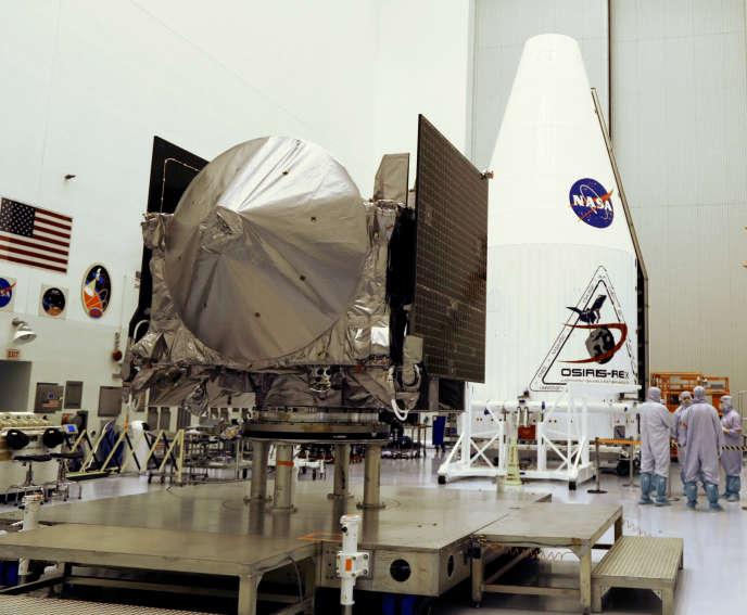 La sonde Osiris-Rex au centre spatial Kennedy à Cape Canaveral (Floride), le 20 août.