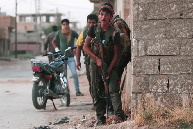 Des soldats kurdes des YPG à Hassaké, dans le nord-est de la Syrie, le 20 août 2016.