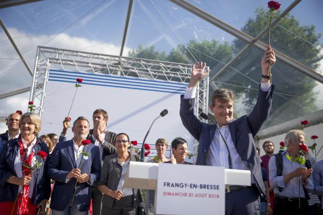 Arnaud Montebourg prononce son discours au cours de la fête populaire de Frangy-en-Bresse, dimanche 21 aout 2016 - 2016