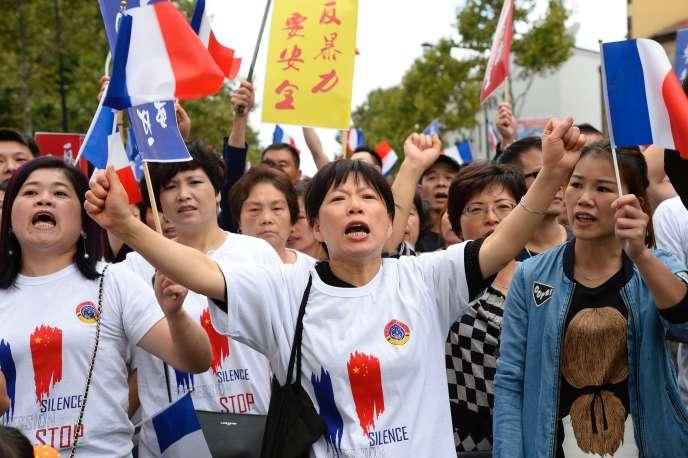 Manifestation à Aubervilliers le 21 août à l'appel de plusieurs associations de la communauté chinoise contre l'insécurité.