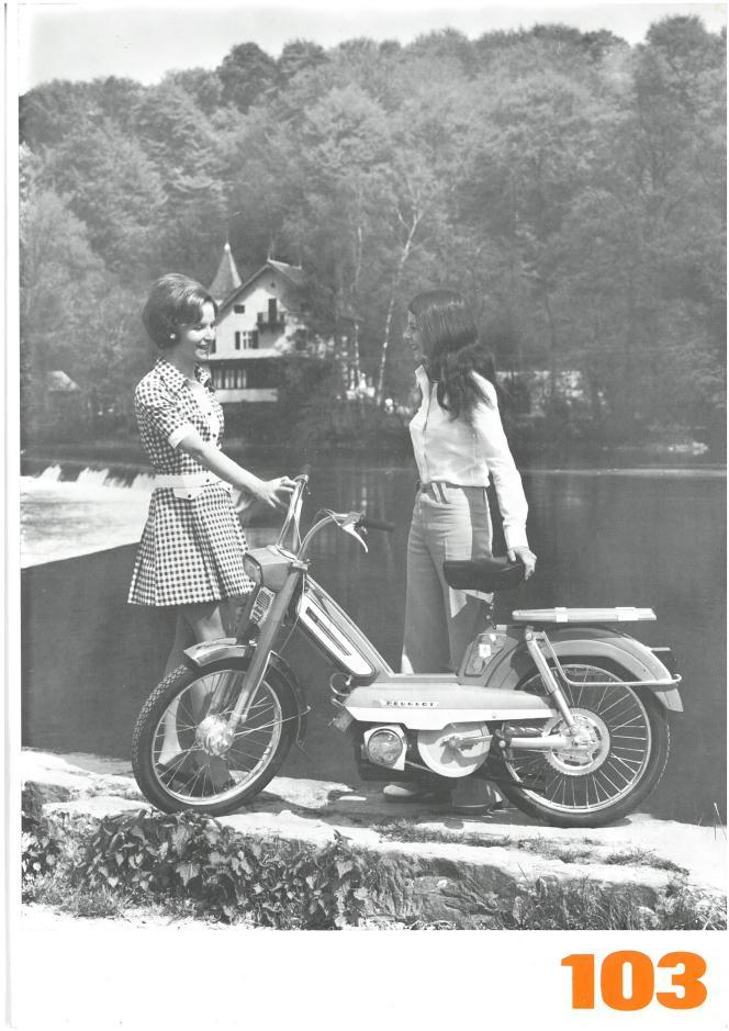 Une affiche publicitaire pour le Peugeot 103 dans les années 1970.