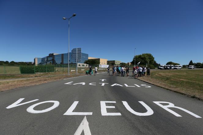 Mobilisation des producteurs laitiers à Laval (Mayenne), le 23 août 2016.