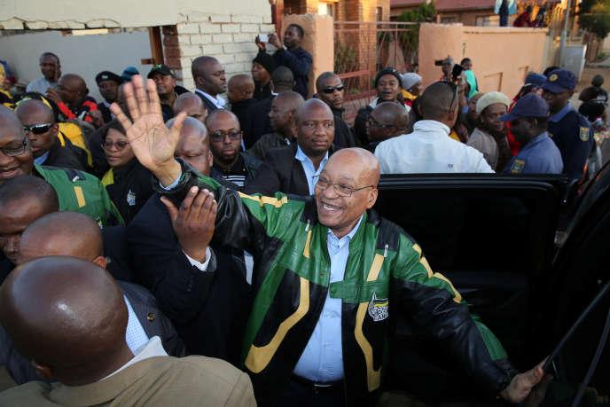 Le président sud-africain, Jacob Zuma, lors de sa campagne à Atteridgeville, en juillet.