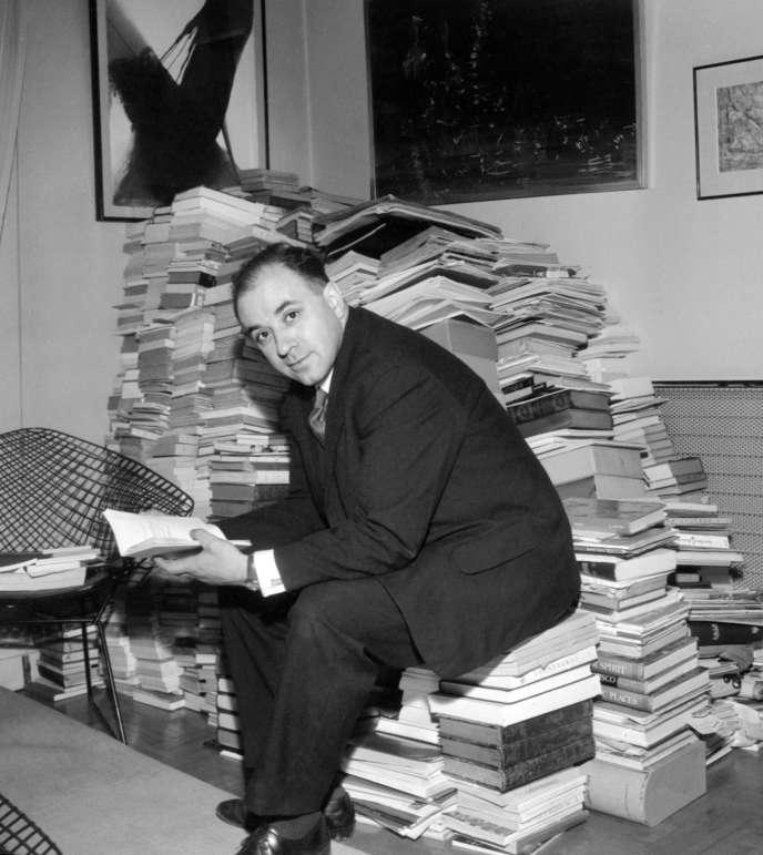 Michel Butor, le 5 décembre 1964, à Paris.