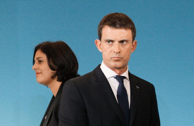 Myriam El Khomri et Manuel Valls au ministère du travail à Paris le 4 novembre 2015.