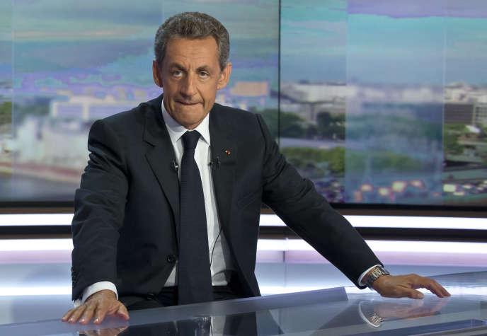 Nicolas Sarkozy lors de son interview sur TF1à Paris le 24 août 2016.