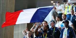 Le champion olympique de judo Teddy Riner lors de son arrivée à l'aéroport de Roissy le 23 août 2016.