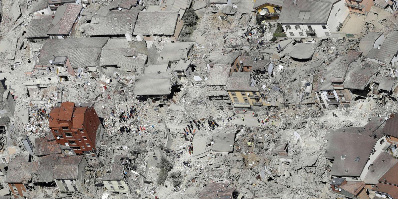 Photo aérienne d'Amatrice, après le séisme, mercredi 24 août 2016.