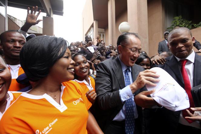 Le directeur de la Banque mondiale Jim Yong Kim durant une visite à Abidjan, en Côte d'Ivoire, le 4 septembre 2012.