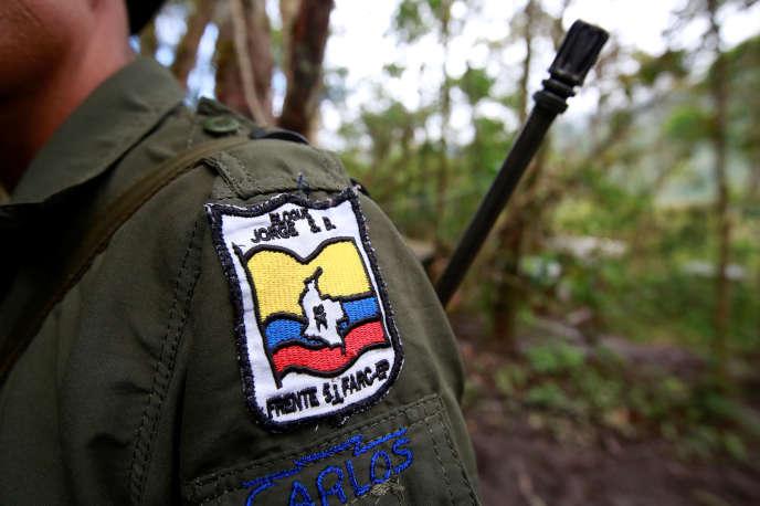 Un membre desForces armées révolutionnaires de Colombie (FARC), dans la cordillière orientale, le 16 août.