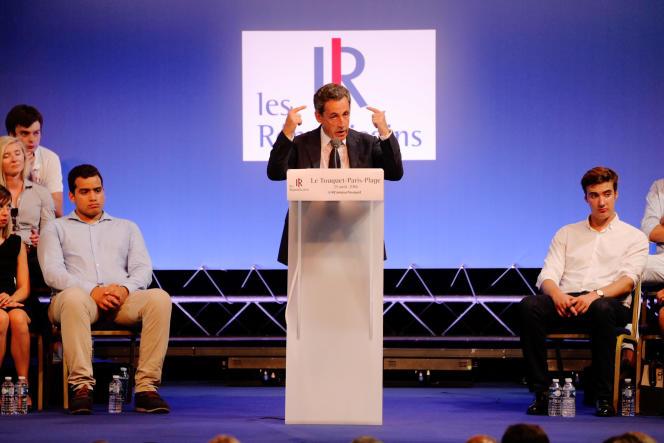 Nicolas Sarkozy aucampus des Jeunes républicains, samedi 27 août.