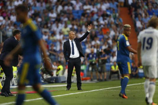 «Une personne charismatique va permettre à un groupe de s'élever, de s'accomplir, de réussir quelque chose et de s'approprier ses succès» (Photo: Zinédine Zidane, entraîneur du Real Madrid, le 27 août).