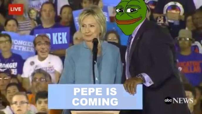 Pepe la grenouille, un des mèmes préférés de l'Alt-Right, en compagnie de Hillary Clinton, ennemie déclarée du mouvement.