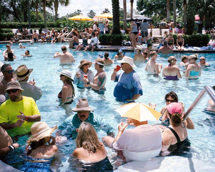 Chaque année, les Zonienset leurs familles se retrouvent lors d'un grandrassemblement organisé par la Société ducanal de Panama. Ici en 2013, lors d'une pool party à l'hôtel Marriott d'Orlando, en Floride.