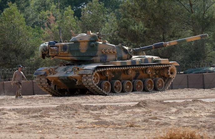 Un char turc à Karkamis, près de la frontière syrienne, le 29 août.