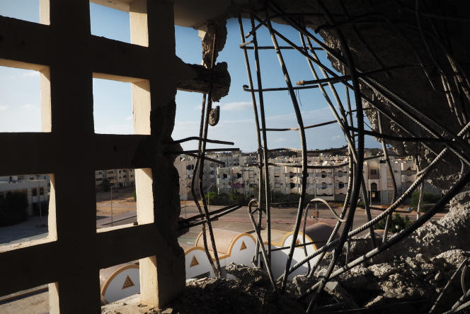 Vue vers le nord de la ville de Syrte, le 24 août. Une partie des quartiers 1 et 3 est toujours occupée par les combattants de l'EI.