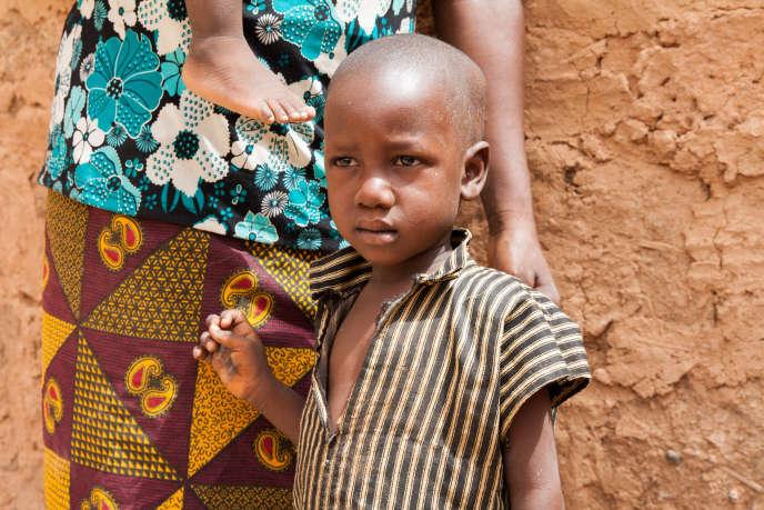 Le petit Bilyamin a souffert de malnutrition bébé. Aujourd'hui en bonne santé, il garde des séquelles de cette époque, notamment un retard de développement.