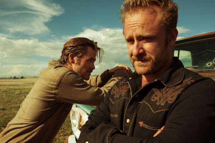 Chris Pine et Ben Foster dans le film américain de David Mackenzie, « Comancheria » (« Hell or High Water »).