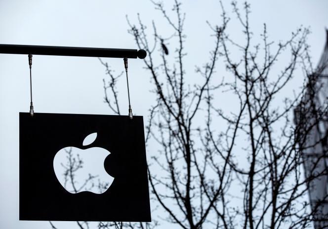 La Commission européenne va obliger Apple à verser 13 milliards d'euros après avoir bénéficié d'aides d'Etat illégales de la part de l'Irlande.