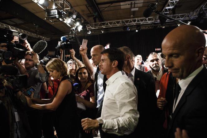 Colomiers, le 29 août 2016. Le premier ministre, Manuel Valls, à l'issue d'un meeting à Colomiers (Haute-Garonne) concluant une après-midi de travail des socialistes qui soutiennent le gouvernement sur le thème de la République.