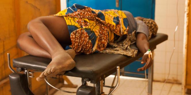 Madina Ada est arrivée à l'hôpital de Dakoro, dans le sud du Niger, dans un état d'anémie sévère. Le travail a commencé pour mettre au monde son onzième enfant.