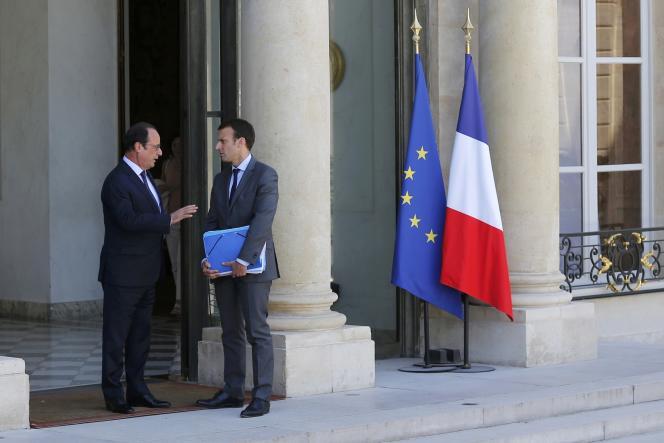 François Hollande et Emmanuel Macron à l'Elysée, le 31 juillet 2015.