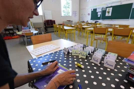 Préparation de la rentrée des classes 2016 à l'école« Les Cavaille» à Cenon (Gironde) le31 aout.