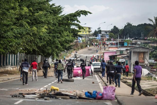 Les heurts entre manifestants et forces de l'ordre se poursuivaient jeudi 1er septembre, à Libreville, au Gabon.