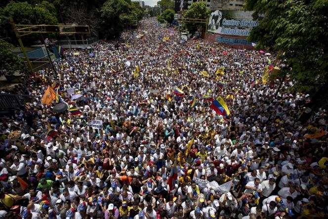 La manifestation en opposition au président Maduro aurait rassemblé près d'un million de personnes à Caracas, le 1er septembre.
