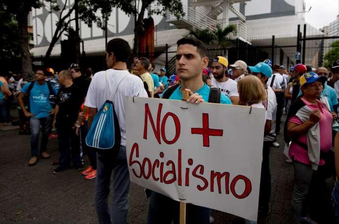 Manifestation contre le gouvernement socialiste de Nicolas Maduro, le 1er septembre à Caracas (Venezuela).