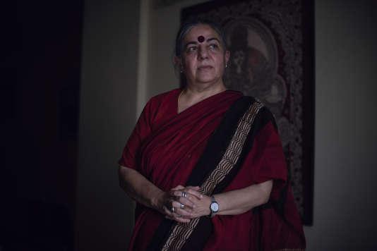 La militante écologiste et altermondialiste Vandana Shiva dans son bureau de New Delhi, le 18 août.
