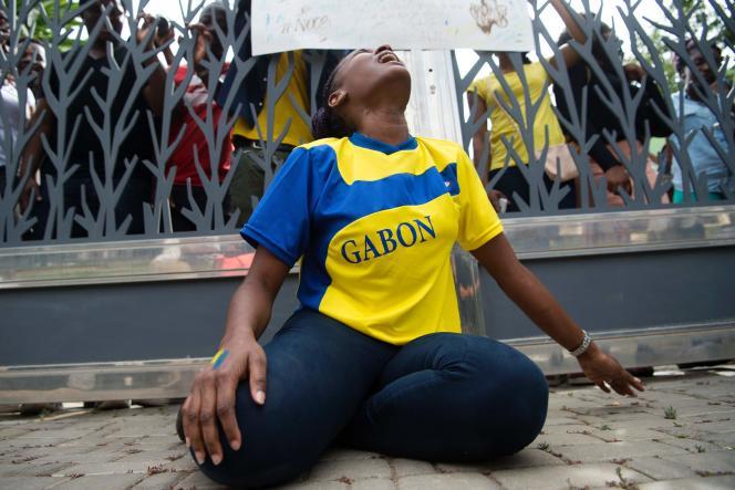 Des étudiants gabonais, vivant au Maroc, manifestent le 1er septembre.