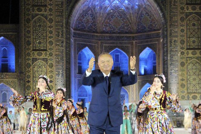 Islam Karimov préside un festival de musique à Samarcande, en août 2015.