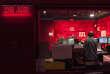 """«Selon Médiamétrie, l'audience cumulée de la radio – celle diffusée essentiellement sur les ondes hertziennes – a baissé en une décennie, passant de 83,5 % de la population en moyenne sur la période septembre 2006-juin 2007 à 80,5 % sur septembre 2015-juin 2016» (Photo : l'émission """"RTL Petit Matin"""" en cours de réalisation dans un studio de la radio en 2013)."""