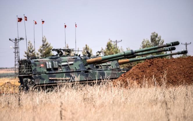 Des chars turcs à 20 kilomètres à l'ouest deKarkamis, à la frontière turco-syrienne, le 3 septembre 2016.