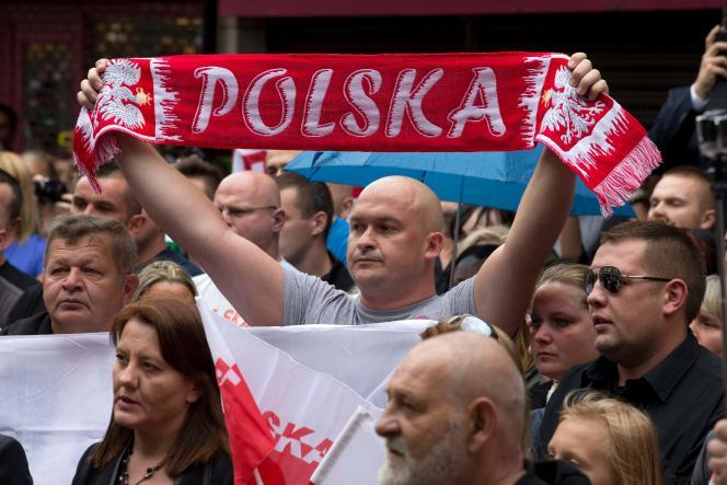 Rassemblement d'hommage à Arek Jozwik, un jeune Polonais tué a Harlow, à l'est de Londres, samedi 3septembre.