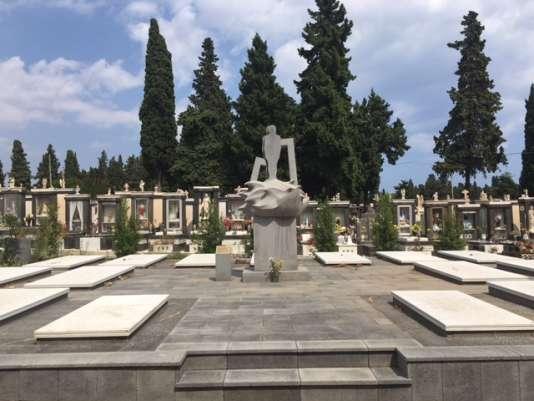 Dans le cimetière de Catane, un espace est dédié aux migrants morts en mer.