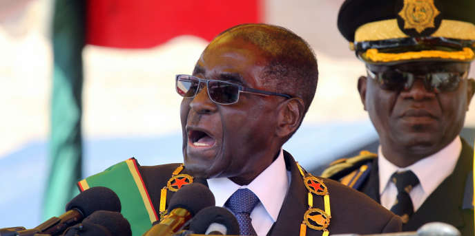 Le président du Zimbabwe Robert Mugabe lors d'une allocution officielle à Harare, le 8 août.