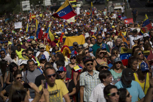 Entre 3 000 et 4 500 personnes se sont rassemblées, dimanche 4 septembre, à Madrid pour protester contre le président Nicolas Maduro.