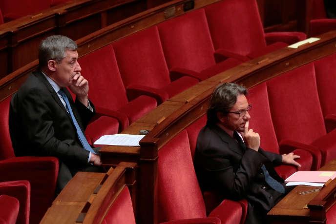 Henri Guaino (à gauche) et Frédéric Lefebvre, à l'Assemblée nationale en janvier 2015.