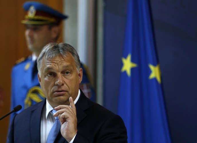 Le premier ministre hongrois, Viktor Orban, lors d'une conférence de presse à Belgrade, en Serbie, le 5 septembre.