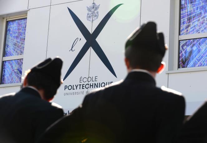 Etudiants à l'école Polytechnique de Palaiseau en avril 2016.